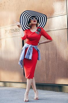 Stylish contess Ana Morodan looks amazing in Lure Tulle Dress, Peplum Dress, Cool Outfits, Fashion Outfits, Power Dressing, Spring Summer 2015, Inspire Me, Personal Style, Street Wear