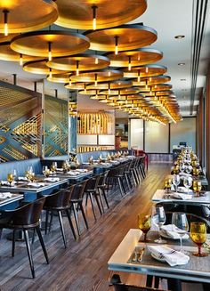 Current Restaurant at the W Chicago Lakeshore, Chicago by Meyer Davis Studio Modern Restaurant, Bar Restaurant Design, Concept Restaurant, Chaise Restaurant, Architecture Restaurant, Deco Restaurant, Luxury Restaurant, Restaurant Lighting, Bar Bistro