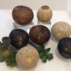 Balinese Souvenirs - Bali Safest Driver Wooden Art, Wooden Crafts, Coconut Shell Crafts, Urban Shop, Traditional Market, Unique Paintings, Modern Shop, Cute Bracelets, Balinese