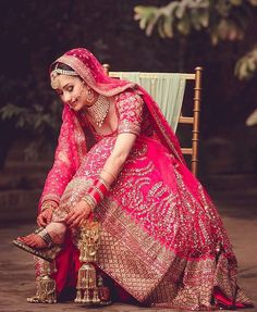 Indian Bride Dress Test- Make Sure your Wedding Lehenga is Super Comfortable before you Buy it ! Indian Bride Dresses, Indian Bridal Outfits, Indian Bridal Lehenga, Indian Bridal Fashion, Red Lehenga, Bridal Dresses, Pink Bridal Lehenga, Wedding Lehanga, Bride Indian