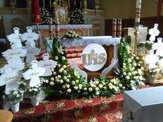 Church Flower Arrangements, Church Flowers, Floral Arrangements, First Communion Party, First Holy Communion, Altar Decorations, Corpus Christi, Images, Google
