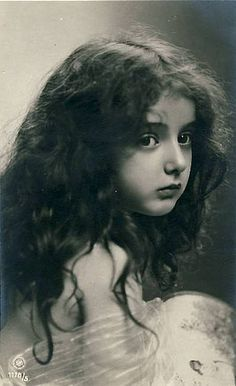 Black and White Vintage Photography: Take Photos Like A Pro With These Easy Tips – Black and White Photography Vintage Abbildungen, Images Vintage, Photo Vintage, Vintage Pictures, Vintage Photographs, Vintage Beauty, Old Pictures, Vintage Postcards, Old Photos