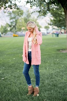 This Cozy Boucle Cardigan will be your favorite this Fall! With a classic open front cut, this cardigan is taken up a notch made of boucle yarn, which make's it a little chunky and ultra soft!