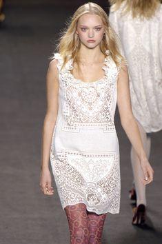 Anna Sui at New York Fashion Week Fall 2006 - Runway Photos