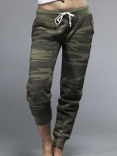 at some point this summer I became pro-camo and now I want these. but of course dont want to pay the stupid shipping and duty fees for them. Alternative Apparel Jogger Pant in Camo Joggers Outfit, Camo Joggers, Jogger Pants, Sweatpants, Military Inspired Fashion, Camo Fashion, Fashion 101, Jogging, Silhouettes