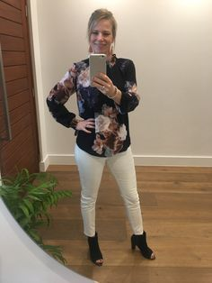 White Jeans, How To Make, Pants, Fashion, Moda, Trousers, Fashion Styles, Women Pants, Women's Pants