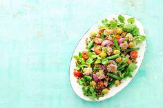 Rijkgevulde maaltijdsalade niçoise met tonijn en linzen - Recept - Allerhande