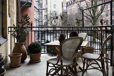 Post: Lujosos muebles de diseño --> blog decoración nórdica, eames, estilo nórdico escandinavo, Lujosos muebles de diseño, montana estanterías, muebles de diseño nórdico, noguchi, salón comedor nórdico, salon de lujo, suelos de madera de roble