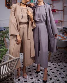 96 Wonderful Best Hijab Fashion Summer In 2019 - Beauty Ideas Hijab Fashion Summer, Abaya Fashion, Muslim Fashion, Work Fashion, Modest Fashion, Fashion Outfits, Fashion Fashion, Feminine Fashion, Travel Fashion