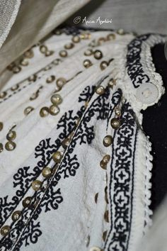Romanian blouse detail. Adina Nanu collection. @ Comori etnografice Facebook page Historical Costume, Origins, Alexander Mcqueen Scarf, Textiles, Costumes, Embroidery, Boho, Blouse, Projects