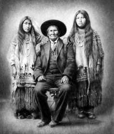 Geronimo and Nieces - Native American From left,Eva Geronimo (daughter), Geronimo, Emily Chihuahua (daughter of Chief Chihuahua - before 1909 Native American Images, Native American Beauty, Native American Tribes, Native American History, American Indians, American Symbols, Indian Pictures, Native Indian, Blackfoot Indian