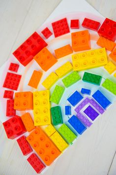 Fun boredom buster: make a lego rainbow.