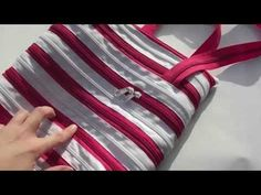 Diy Crafts, Zipper, Youtube, Pouches, Wallets, Purse, Craft Ideas, Scrappy Quilts, Bags