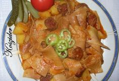 Öreglebbencs módszeresen | NOSALTY – receptek képekkel Paella, Curry, Chicken, Ethnic Recipes, Food, Red Peppers, Curries, Essen, Meals