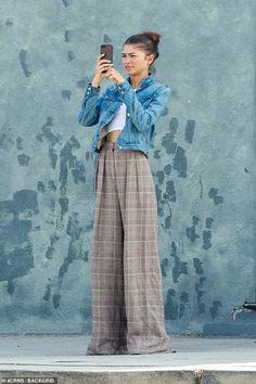 Zendaya steps out in white crop top and loose brown plaid pants in LA Zendaya Outfits, Zendaya Style, Celebrity Outfits, Celebrity Style, Casual Outfits, Fashion Outfits, Zendaya Fashion, Celebrity Closets, Miami Fashion