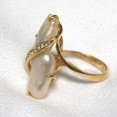 Lady's 14k Freshwater Cultured Stick Pearl and Diamond Ring