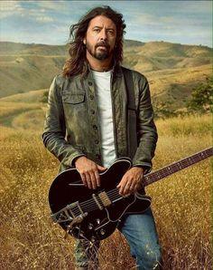 Music Pics, I Love Music, Most Beautiful Man, Beautiful People, Nirvana Lyrics, Song Lyrics, There Goes My Hero, Foo Fighters Dave Grohl, Taylor Hawkins