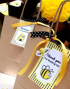 Bumble Honey Bee Party  Favors - me gustan las cintas en la bolsa