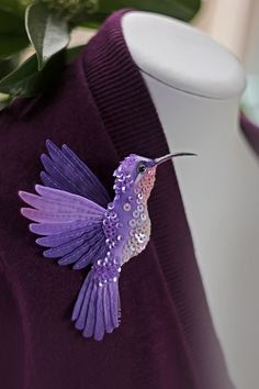 Miniature hand painted natural silk and cotton beaded 'PURPLE BIRD' textile Hummingbird brooch . by Julia Gorina Bead Embroidery Patterns, Bead Embroidery Jewelry, Hand Embroidery Designs, Beaded Embroidery, Beaded Jewelry, Purple Bird, Embroidered Bird, Lesage, Felt Birds