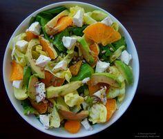 Salata cu spanac, feta si portocala.   Spinach, feta cheese and orange salad.
