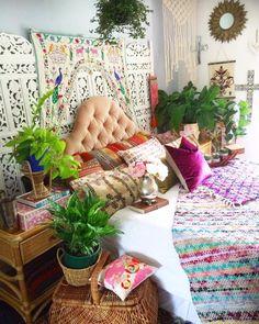 bedroomtoran.jpg