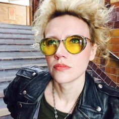 An on set photo of Kate McKinnon by her make up artist