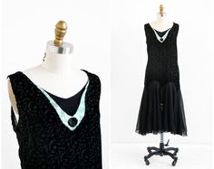 vintage 1920s dress / 20s flapper dress / Black Voided Velvet and Chiffon Flapper Dress