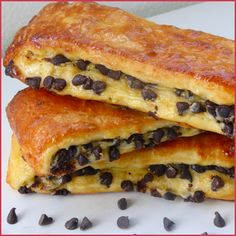 Brioche suisse aux pépites de chocolat - Perle en sucre - Expolore the best and the special ideas about French recipes Brunch Recipes, Sweet Recipes, Cake Recipes, Dessert Recipes, Quick Dessert, Donut Recipes, Bread And Pastries, French Pastries, Fancy Cake