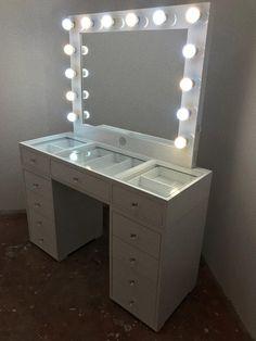 Beauty Room Decor, Vanity Tables, Lighted Vanity Mirror, Diy Bedroom Decor, Home Decor, New Room, Victoria, Closet, Furniture