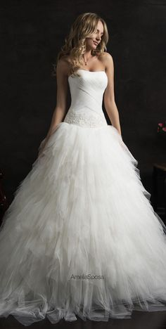 Wedding Dresses Simple, Fabulous Tulle Strapless Ball Gown Wedding Dress with Beaded Lace Appliques Midi Bridal Uk – wedding gown Layered Wedding Dresses, Famous Wedding Dresses, Fancy Wedding Dresses, Making A Wedding Dress, Wedding Dress Prices, Perfect Wedding Dress, Designer Wedding Dresses, Bridal Dresses, Gown Wedding