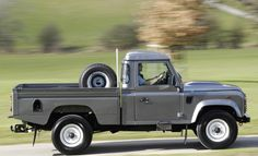 Land Rover truck. Want it.