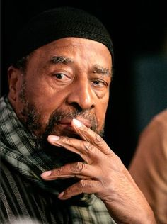 Yusef Lateef, a Grammy-winning musician and composer who was one of the first to incorporate world music into traditional jazz, died Monday at his home in Shutesbury in western Massachusetts. Jazz Composers, Jazz Musicians, Yusef Lateef, Jazz Cat, George Duke, Dope Music, Music Pics, Louis Armstrong, Smooth Jazz