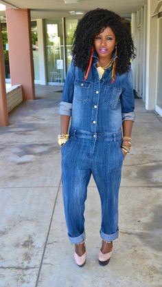 Because she resembles me, I think its ok if I borrow her look this weekend :) Blue Jean Jumpsuit, Jeans Jumpsuit, Jumpsuit Style, Overalls, Simple Outfits, Chic Outfits, Fashion Outfits, Fall Outfits, Dope Fashion