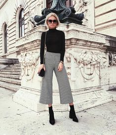 7 looks, how to wear a turtleneck sweater now - Mode - Outfits Paris Outfits, Mode Outfits, Casual Outfits, Fashion Outfits, Fashion Ideas, Formal Outfits, Classic Outfits, Casual Clothes, Fashion Quotes