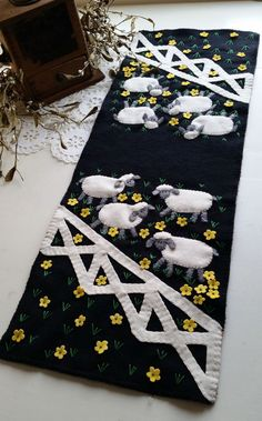 The Sheep Are In The Meadow Table Runner Pattern CPD-175 (advanced beginner, home decor & houseware)