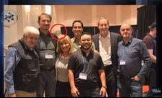 ESTADOS UNIDOS - Estranha Aparição Registrada em Foto em um Congresso UFO!!