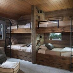 Rustic Lake House Retreat Inspired By Gorgeous Lake Tahoe Surroundings - Room Design Cabin Bunk Beds, Bunk Bed Rooms, Bunk Beds Built In, Wood Bunk Beds, Modern Bunk Beds, Rustic Bunk Beds, Murphy Bunk Beds, Queen Bunk Beds, Rustic Bed