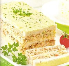 Um bolo salgado pra lá de especial, experimente fazer e agrade a todos! - Aprenda a preparar essa maravilhosa receita de Bolo salgado de pão de forma com frango