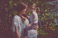 mother and daughter maternity photos // DIY maternity photo ideas // 34 weeks // Momista Beginnings