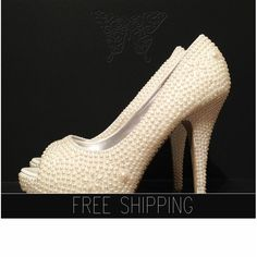 1. Top quality pearls. Image color-Ivory2. With some touch of floral motif3. Image: 5 heels 1 1/4 platforms. 4. 100% custom handmade5. 15 DAYS PROCESSING + shipping time