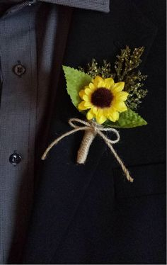 This sunflower boutonniere mixed with greenery will look great in your ourdoor or rustic wedding! These are great for the groom, groomsmen, father Sunflower Boutonniere, Sunflower Bouquets, Groom Boutonniere, Boutonnieres, Rustic Wedding Boutonniere, Sunflower Wedding Arrangements, Rustic Sunflower Weddings, Floral Arrangements, Sunflower Corsage