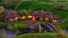 Hobbiton in New Zealand: Lovely Place of Hobbit Houses