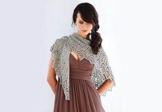 Für den perfekten Auftritt zu jedem Anlass mit einem Spitzentuch. Dreieckstücher gehören zu den beliebtesten Woll-Werken da sie einfach zu jedem Outfit passen.
