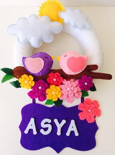 kapı süsü.seal door wreath Felt Crafts, Diy And Crafts, Arts And Crafts, Felt Wreath, Door Wreath, Cuadros Diy, Birthday Gifts For Husband, Baby Mobile, Felt Baby