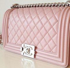 Xoxo, ♡ Pinterest : Kayla . Women's Handbags Wallets - amzn.to/2huZdIM Women's Handbags & Wallets - amzn.to/2iZOQZT Clothing, Shoes & Jewelry : Women : Handbags & Wallets : http://amzn.to/2jBKNH8