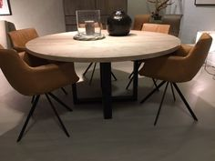 Beautiful Industrial Modern | PETERS INTERIEURSCROSSING EETTAFEL