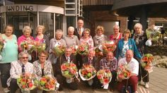 KONINKLIJKE ONDERSCHEIDING VOOR 16 LANGEDIJKERS   Zestien inwoners van Langedijk, waaronder twee echtparen, ontvingen op vrijdag 25 april 2014 een Koninklijke Onderscheiding voor hun bijzondere verdiensten voor de samenleving.