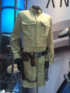 Anovos shows off new Star Wars licensed costume replicas including Luke Skywalker's fatigues from The Empire Strikes Back.