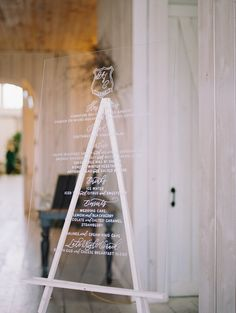 A sweet and simple welcome sign| Ivory and Vine Event Co.