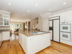 Portland Heights Area Residential: Gourmet Eat-In Kitchen With Granite, Breakfast Nook and Courtyard Access